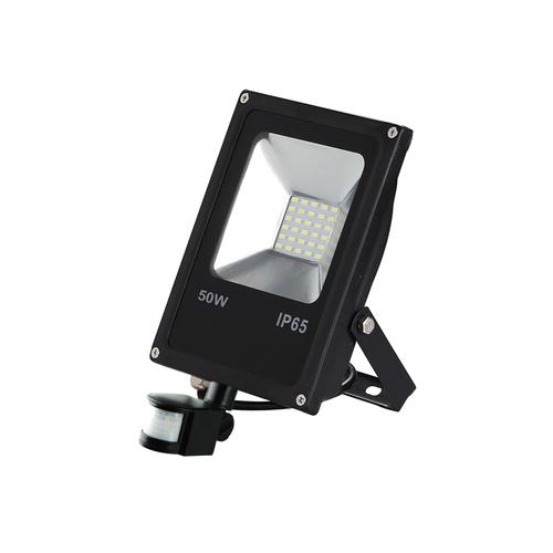 Čierny LED svetlomet 50 W. Farba: 6000 K. Pir
