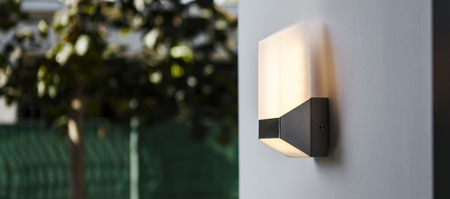 Moderné vonkajšie nástenné svietidlo Lutec FLAT