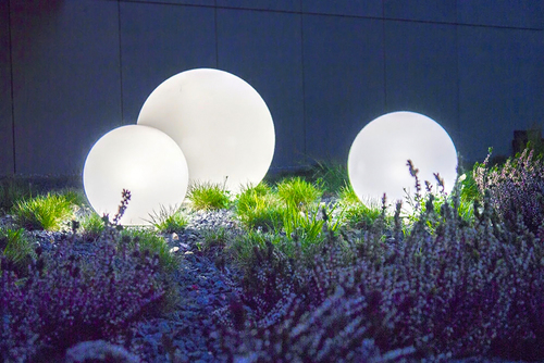 Sada troch vonkajších lámp, záhradné gule Luna ball 30 cm, 40 cm, 50 cm, svietiace záhradné gule, klasické, biele